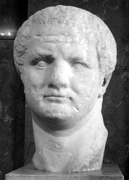 Titus - Pline - Lovisolo