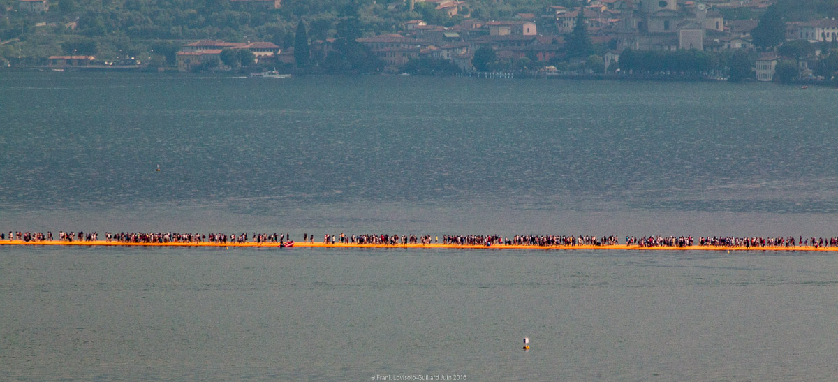 christo the floating piers 003