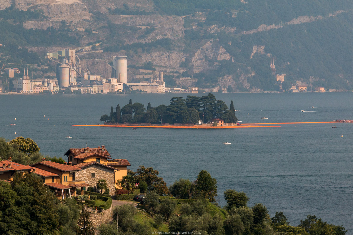 christo the floating piers 004