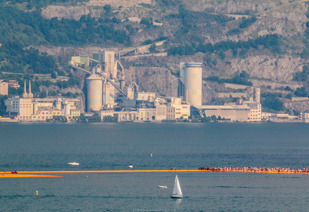christo the floating piers 005