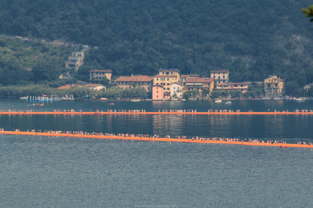 christo the floating piers 011