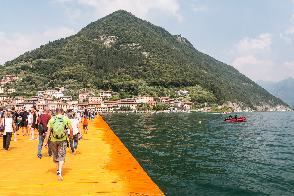 christo the floating piers 023