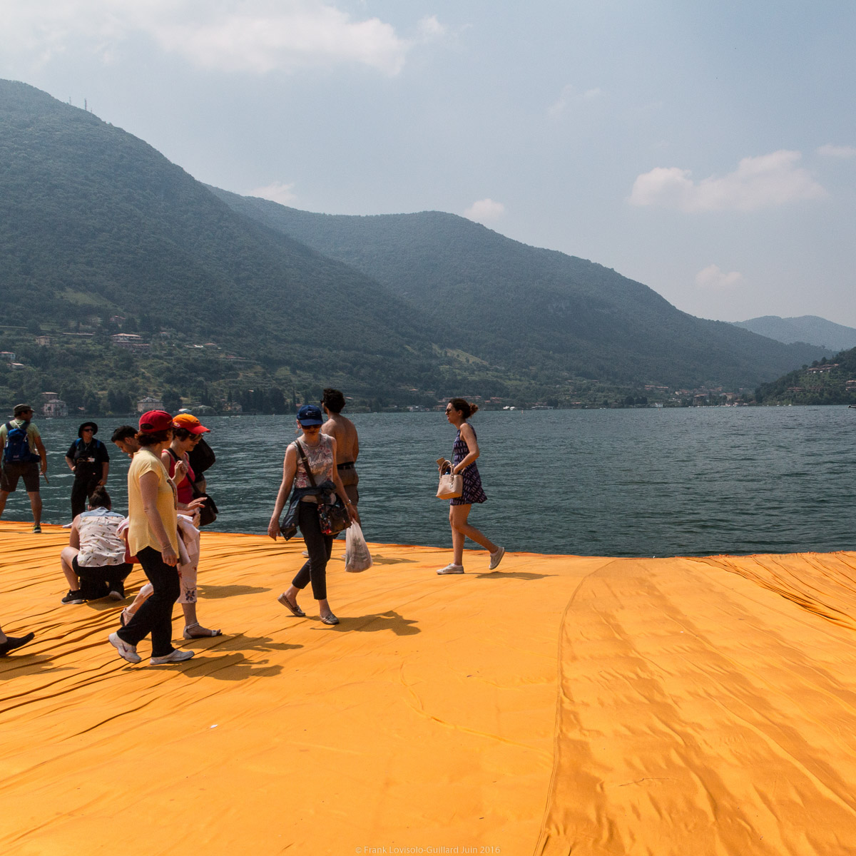 christo the floating piers 025