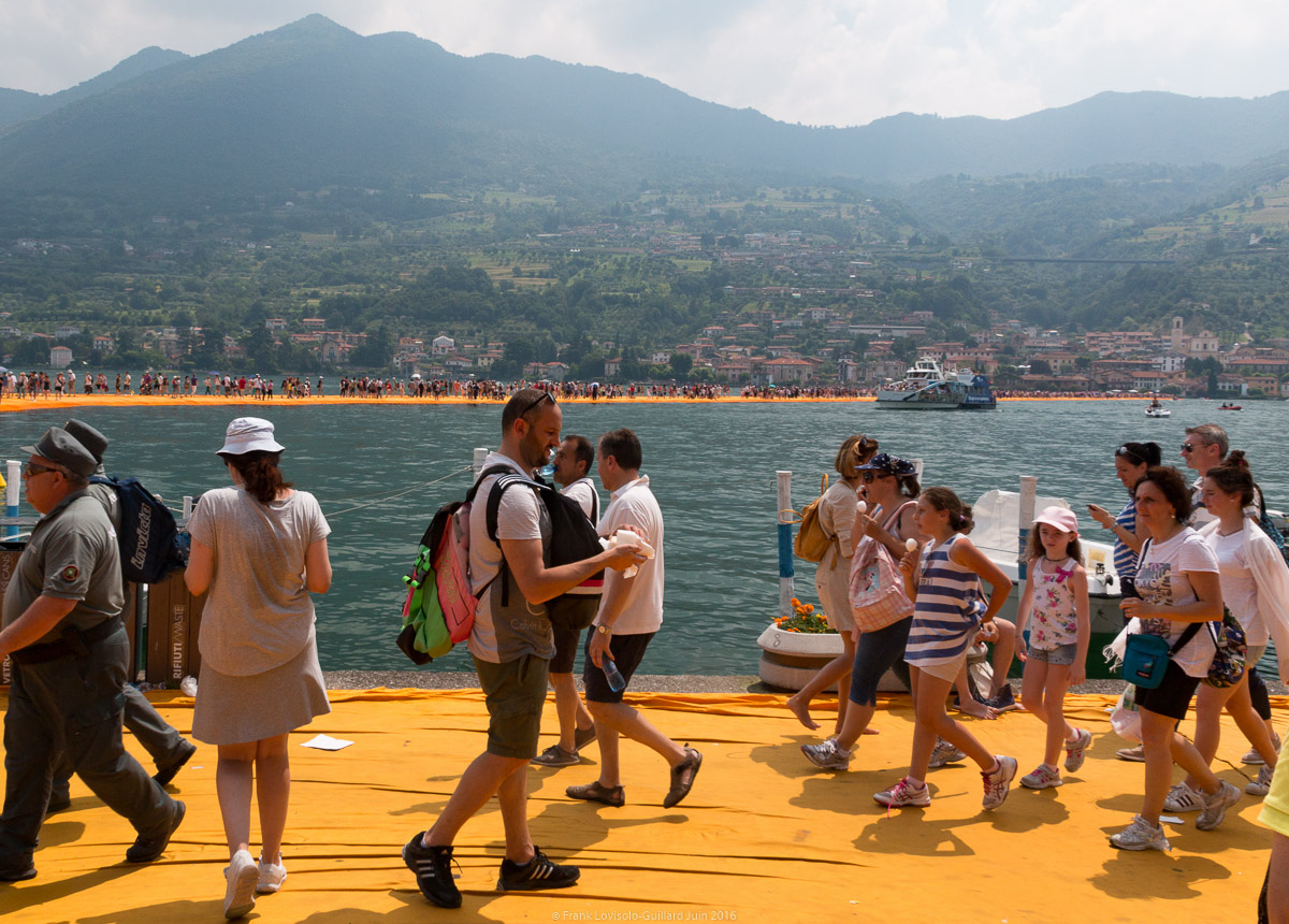 christo the floating piers 033