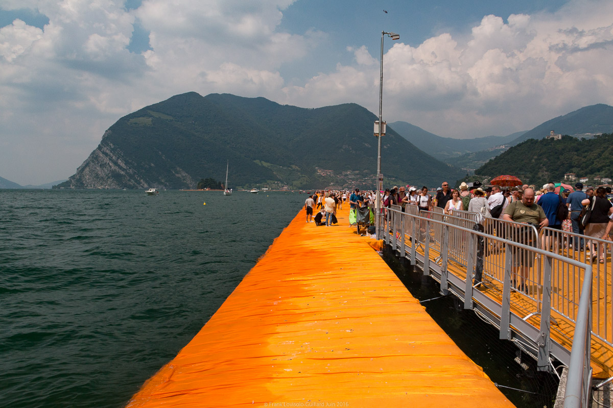 christo the floating piers 034
