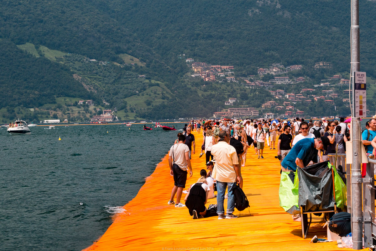christo the floating piers 035