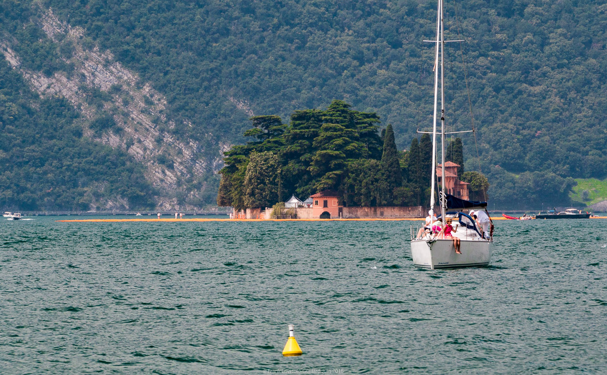 christo the floating piers 036