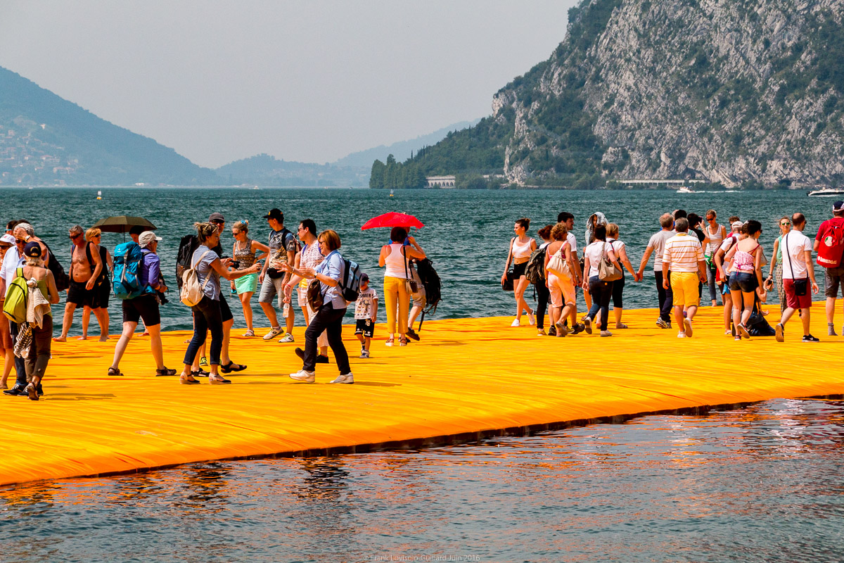 christo the floating piers 038
