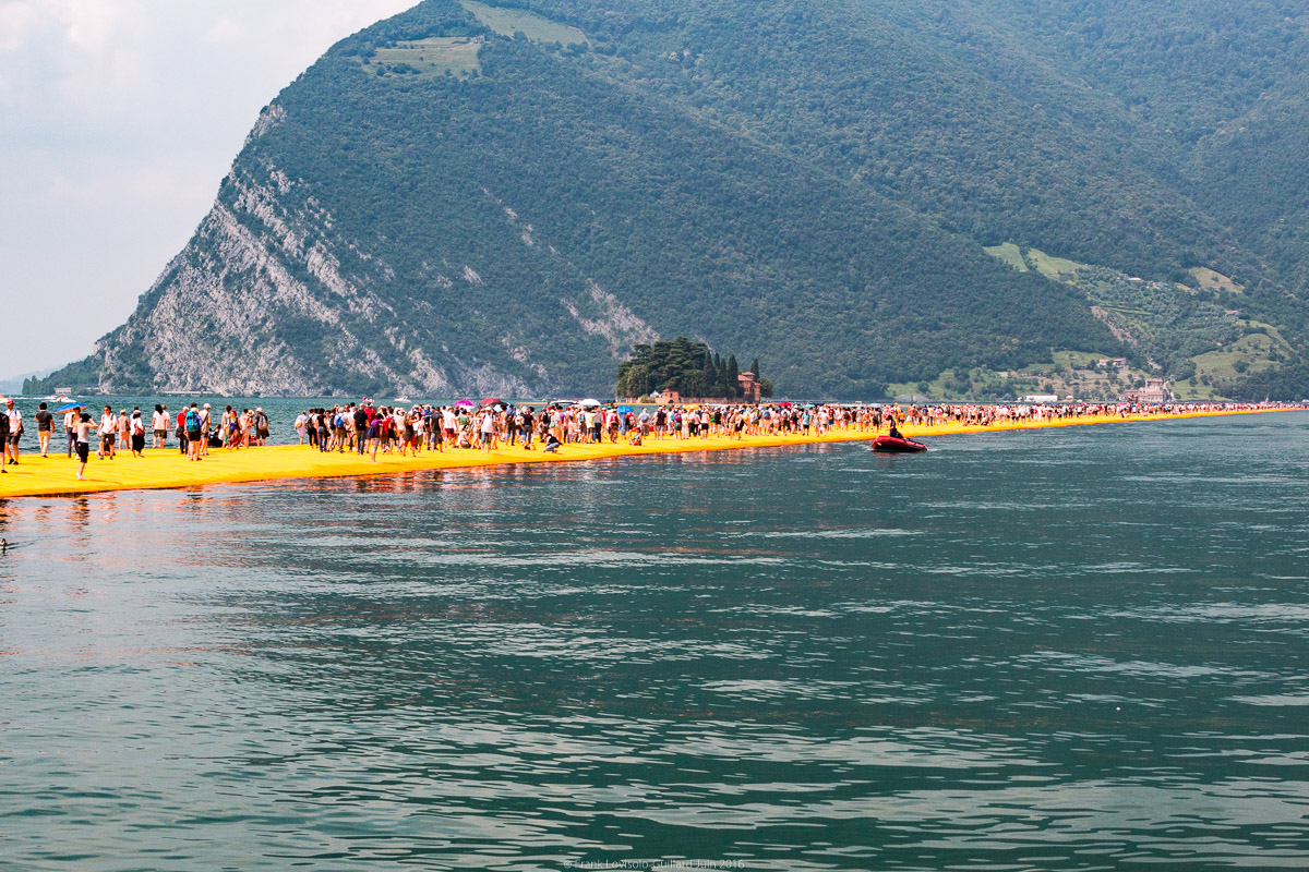 christo the floating piers 039