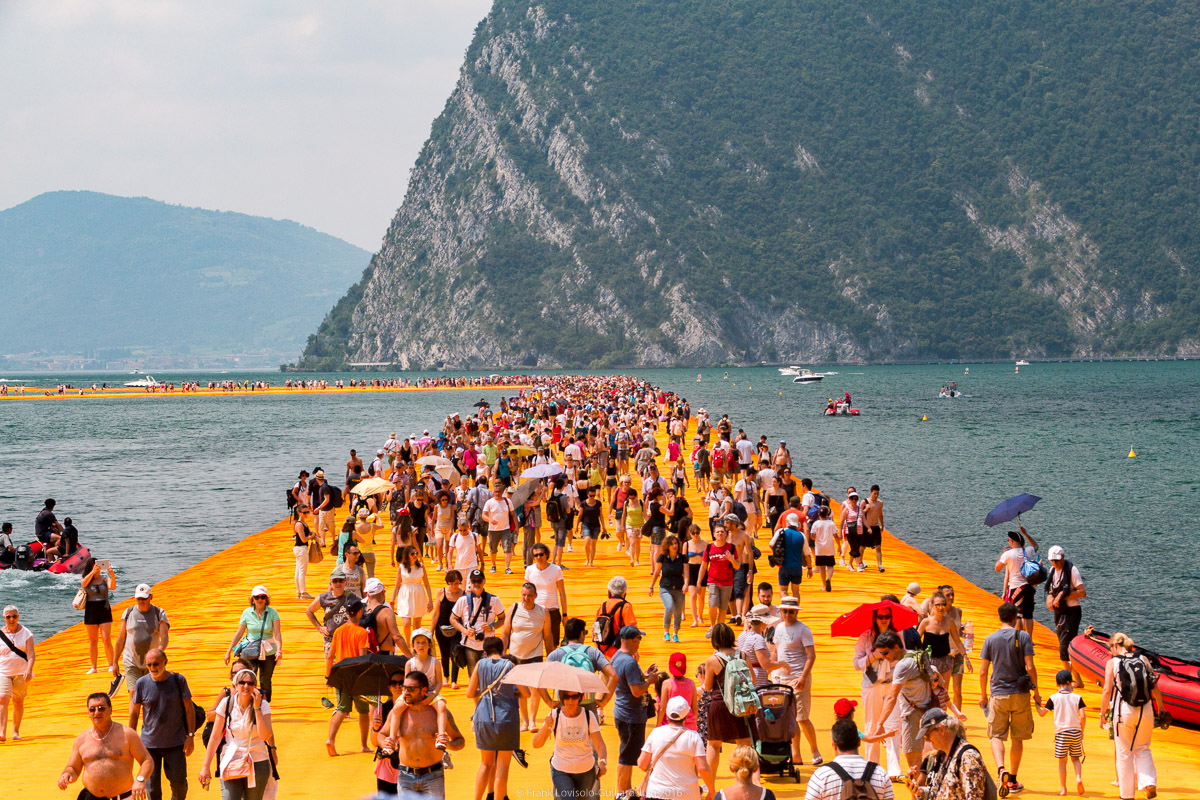 christo the floating piers 042