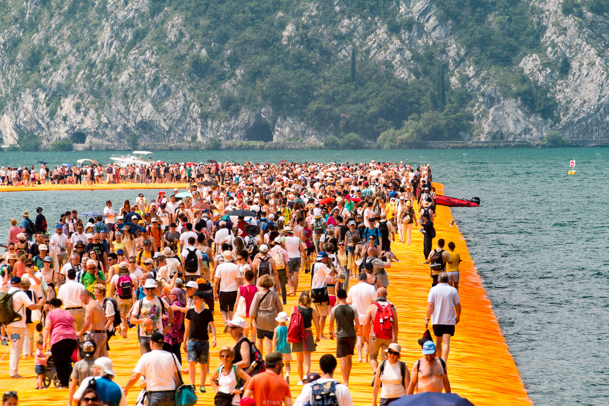 christo the floating piers 043
