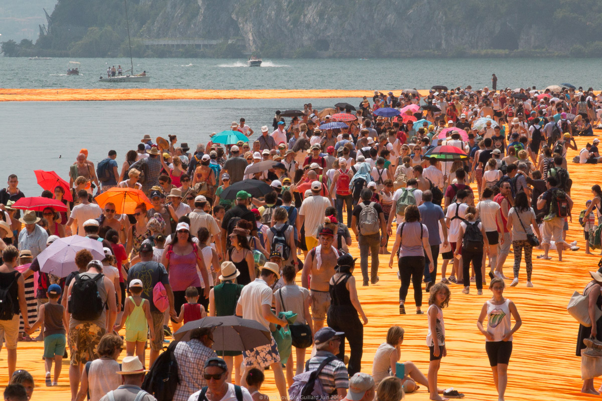 christo the floating piers 052