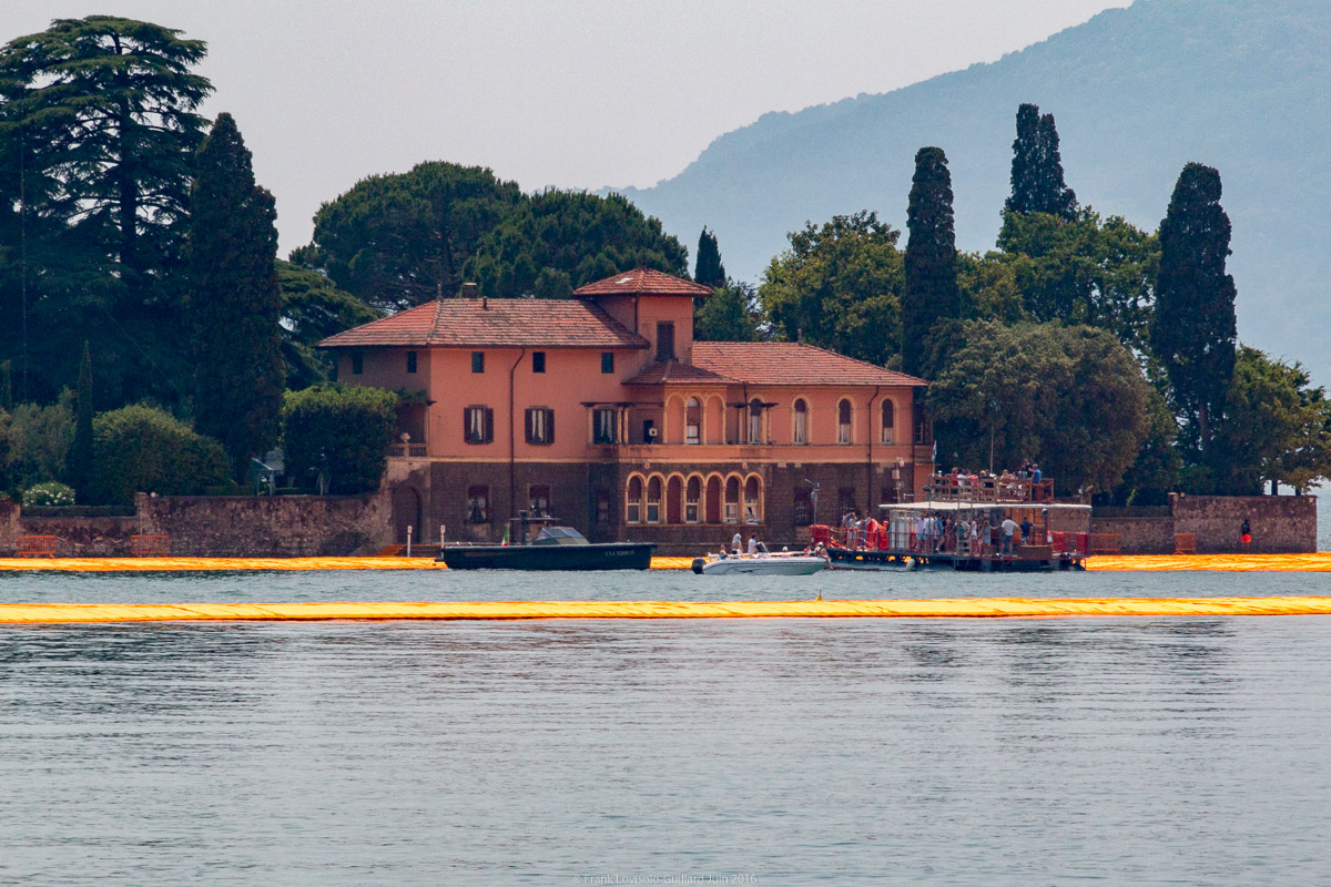christo the floating piers 053