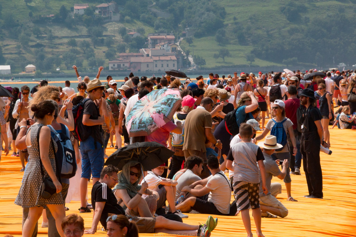 christo the floating piers 065