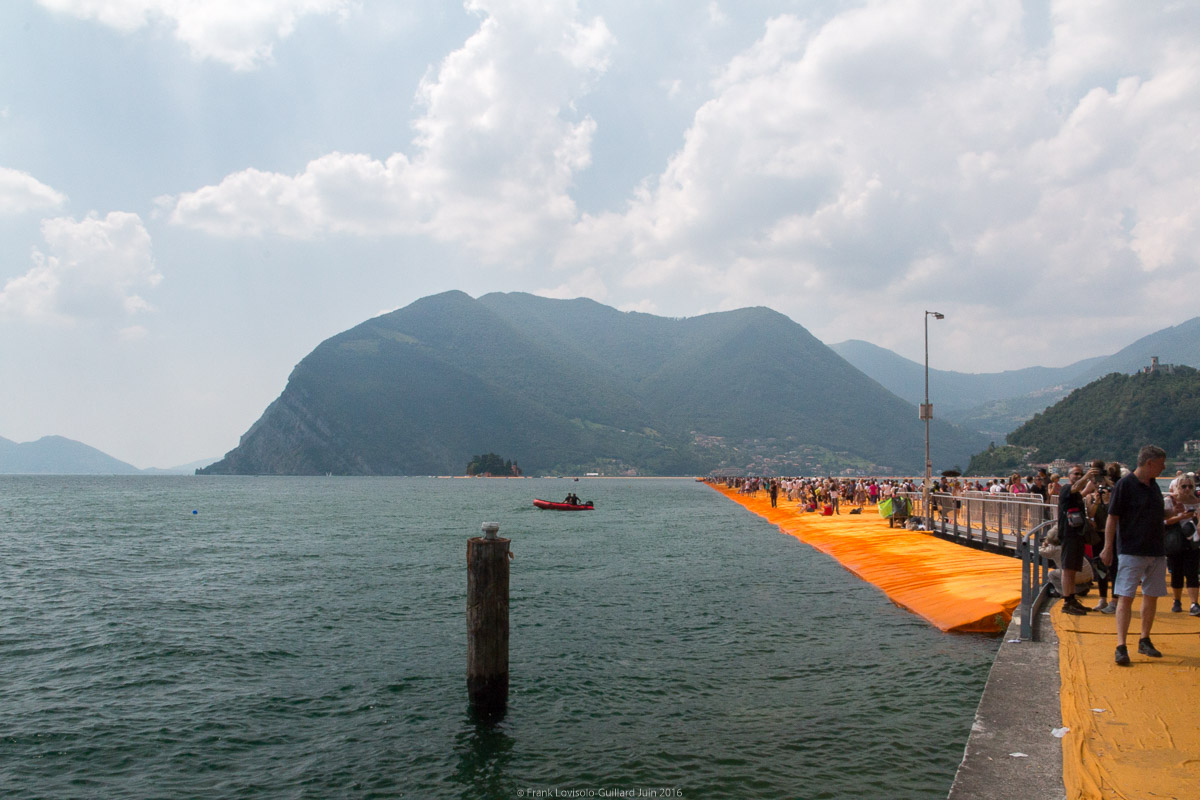 christo the floating piers 070