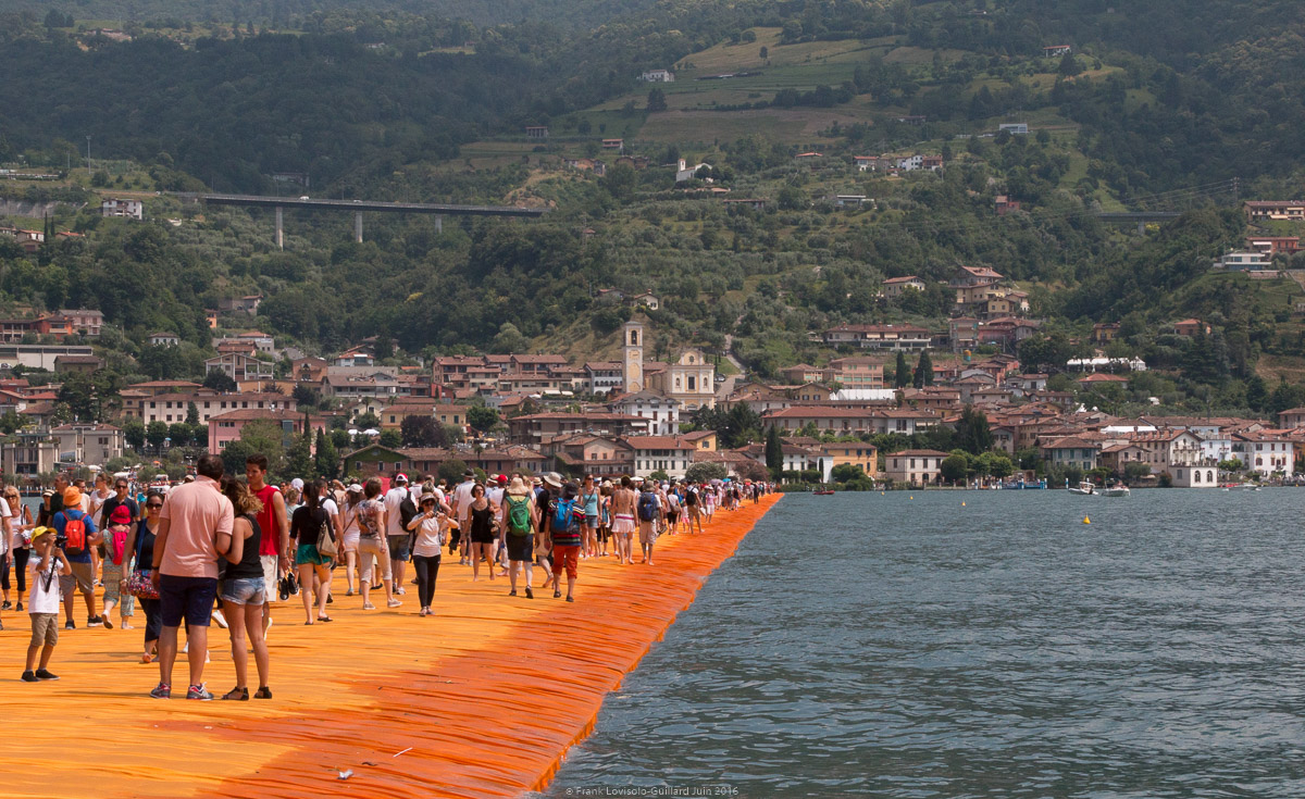 christo the floating piers 073