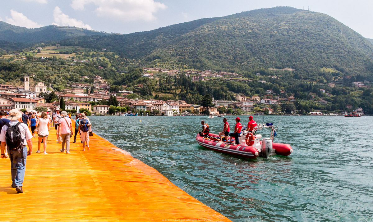 christo the floating piers 075