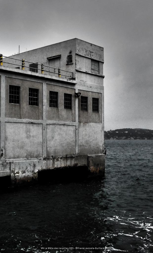 v4 le mole des torpilles 005