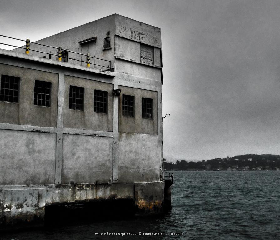 v4 le mole des torpilles 006
