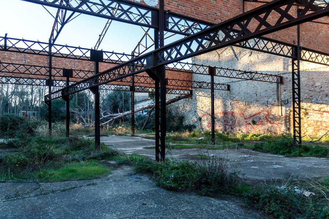 batiments abandonnes de la baie de balaguier 32