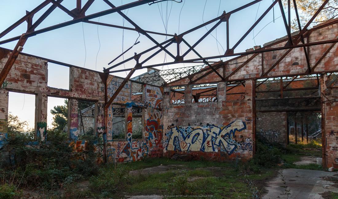 batiments abandonnes de la baie de balaguier 40