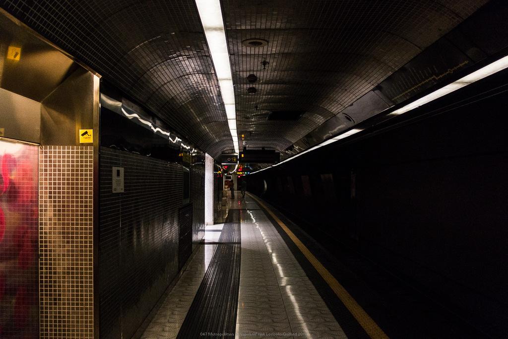 047 metropolitana di napoli