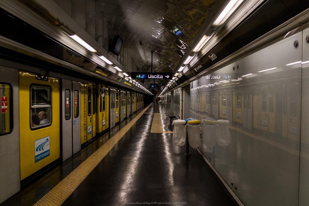 050 metropolitana di napoli
