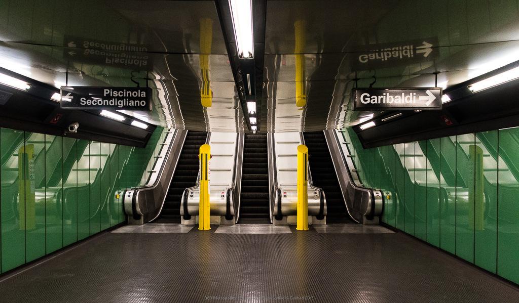 090 metropolitana di napoli
