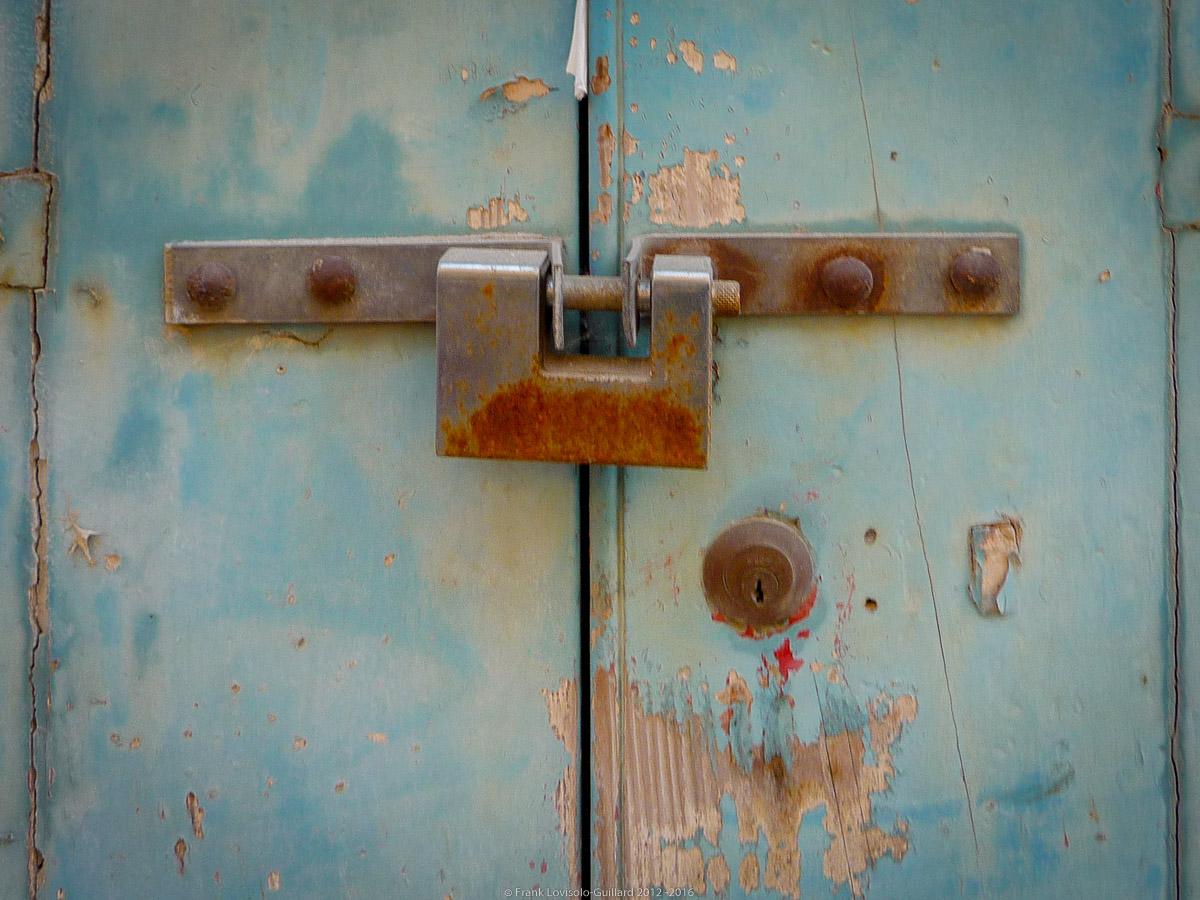 ouvertures portes heurtoirs et autres quincailleries a malte 005