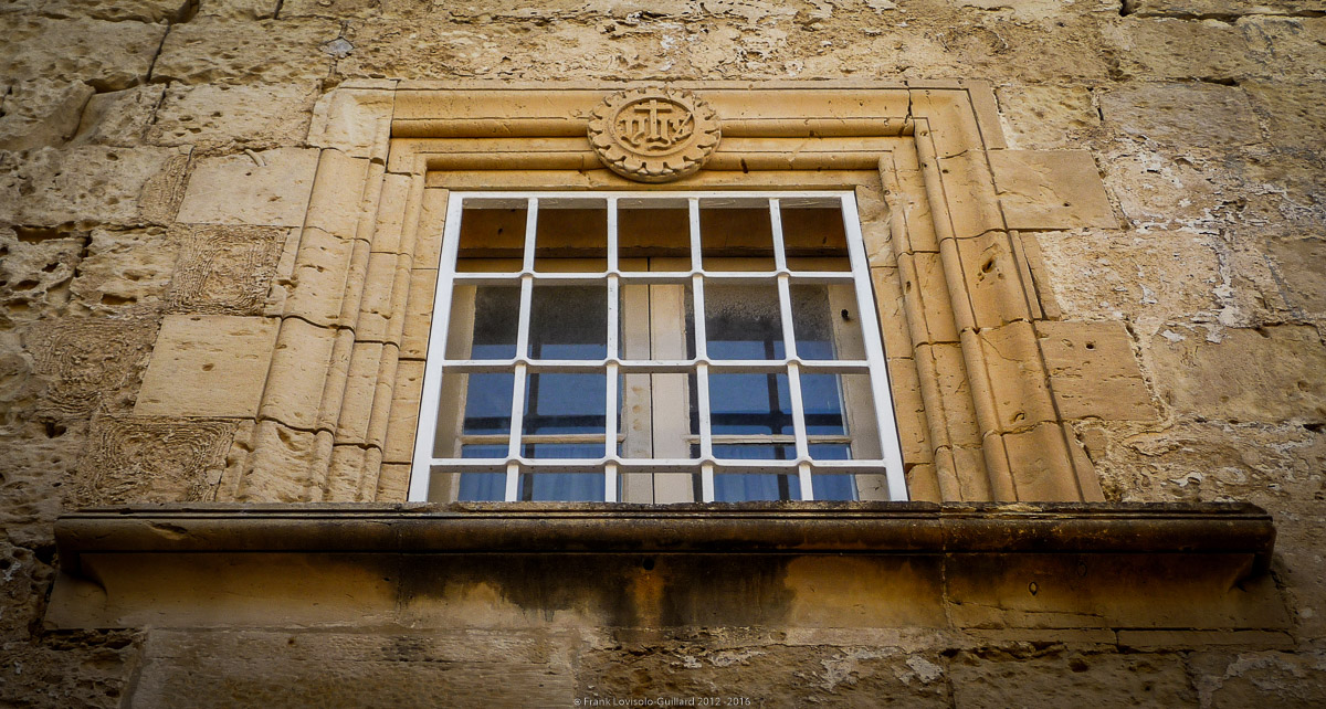 ouvertures portes heurtoirs et autres quincailleries a malte 008