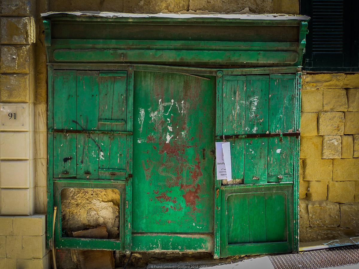 ouvertures portes heurtoirs et autres quincailleries a malte 026