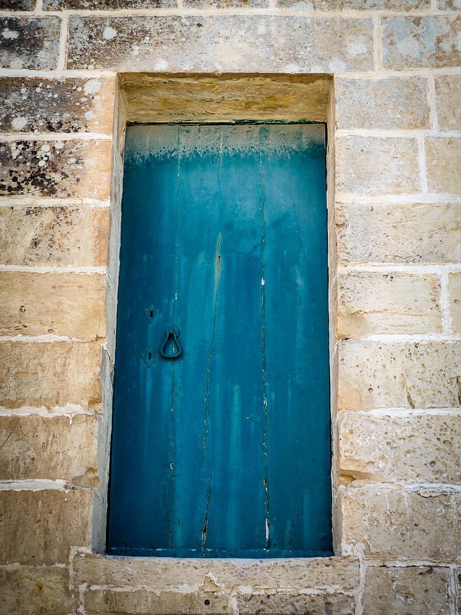 ouvertures portes heurtoirs et autres quincailleries a malte 028