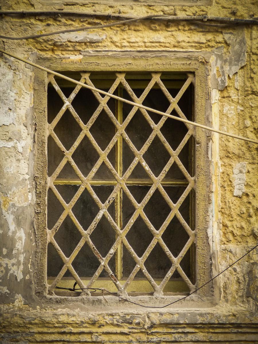 ouvertures portes heurtoirs et autres quincailleries a malte 034