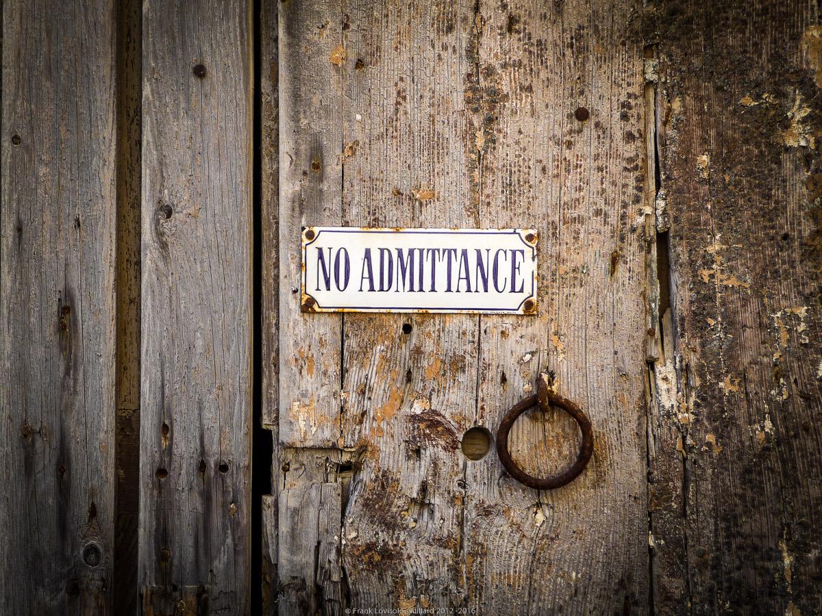 ouvertures portes heurtoirs et autres quincailleries a malte 049