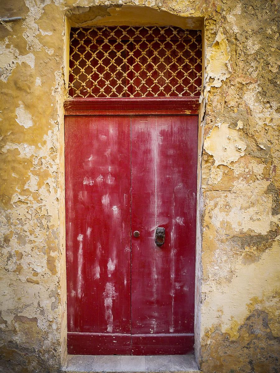 ouvertures portes heurtoirs et autres quincailleries a malte 053
