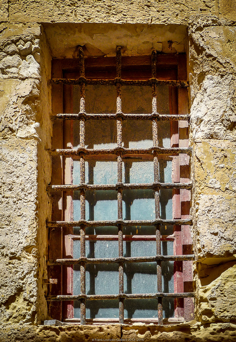 ouvertures portes heurtoirs et autres quincailleries a malte 056