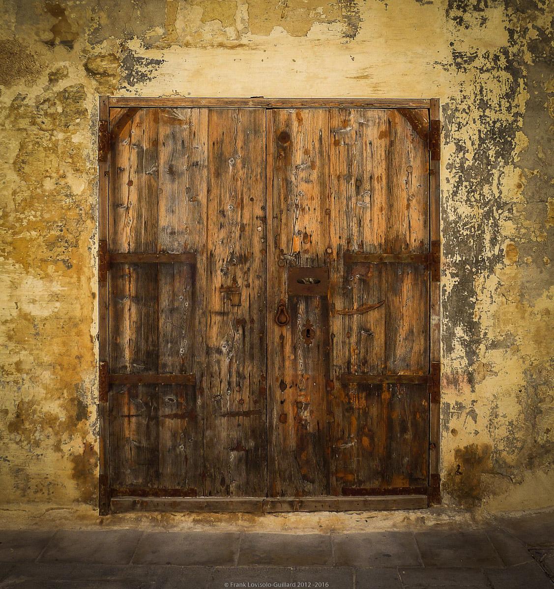 ouvertures portes heurtoirs et autres quincailleries a malte 058