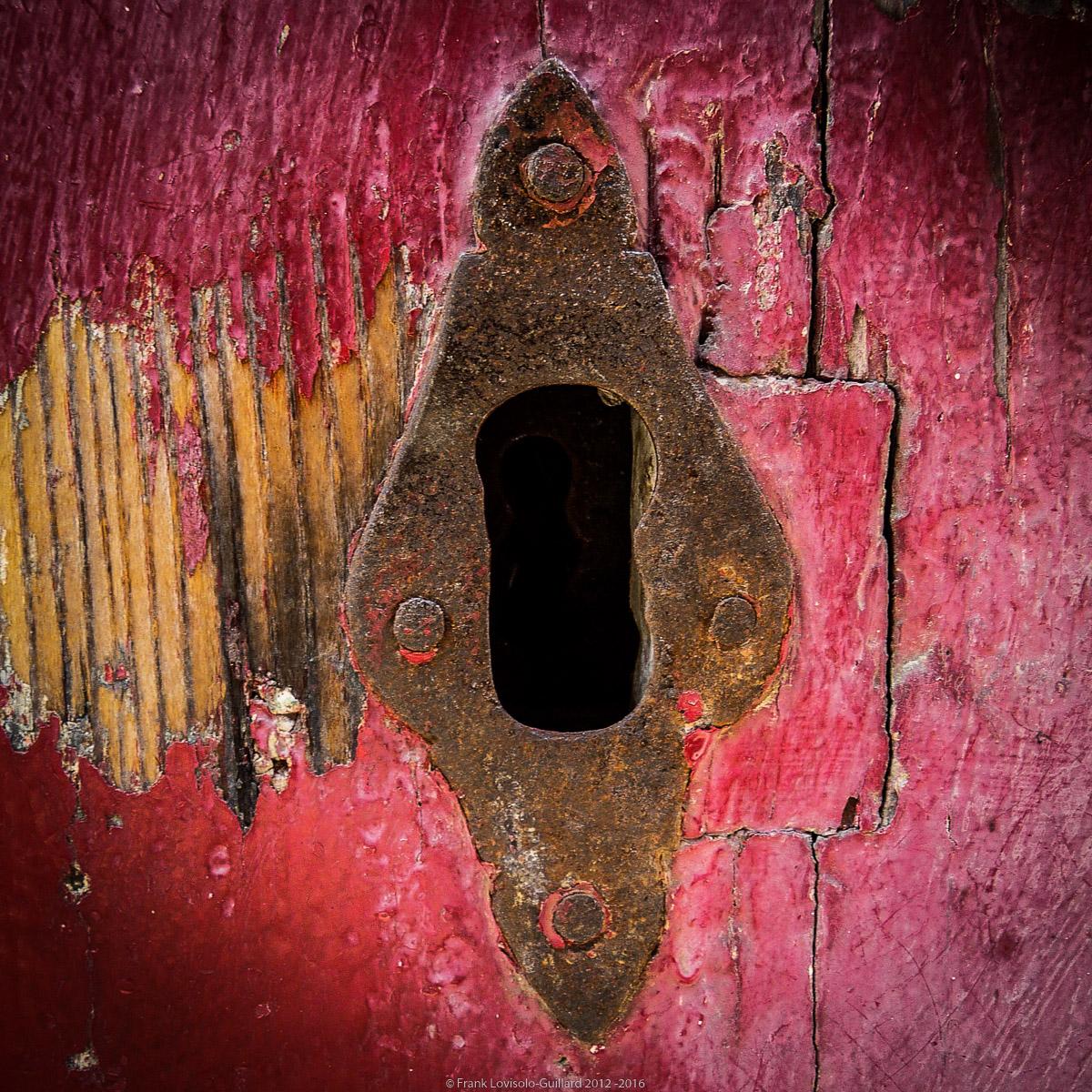 ouvertures portes heurtoirs et autres quincailleries a malte 063
