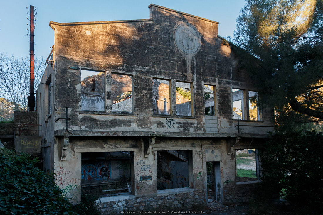 Bâtiments abandonnés de la baie de Balaguier 19