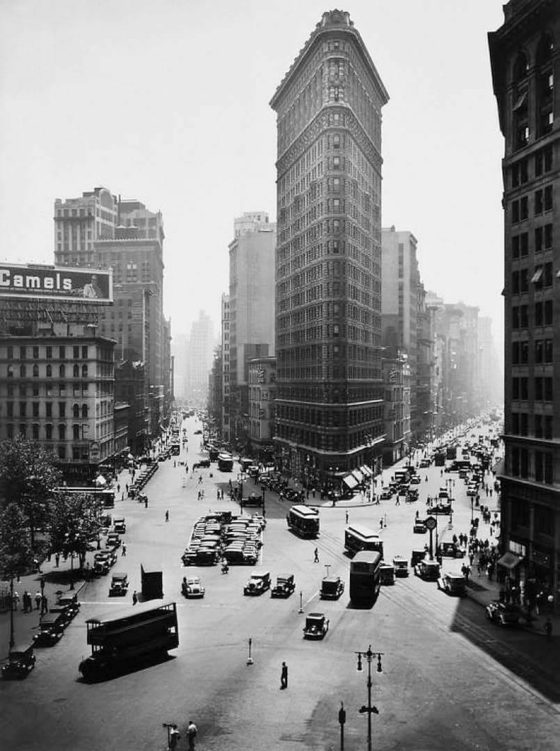 Berenice Abbott-The Flatiron Building-New York City