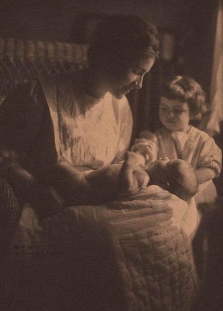 Portrait of Lela Baker and Daughter Dorothy, ca. 1910 - Imogen Cunningham