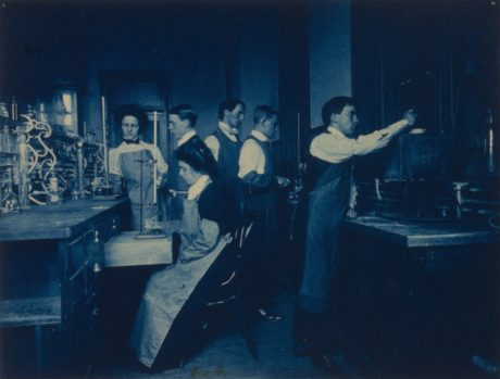 Frances-Benjamin-Johnston - Etudiants dans un Laboratoire.
