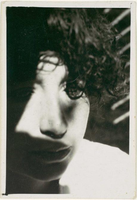 Lucia Moholy par  László Moholy-Nagy entre 1924 et 1928.