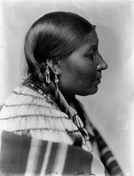 Femme Sioux, Dakota  (1900)