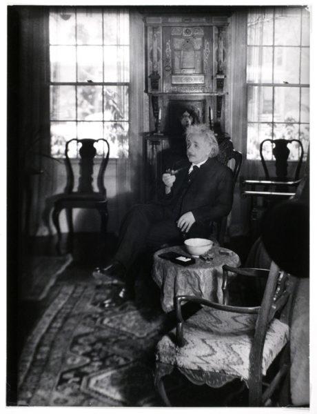 Lotte Jacobi  - Albert Einstein, physicien