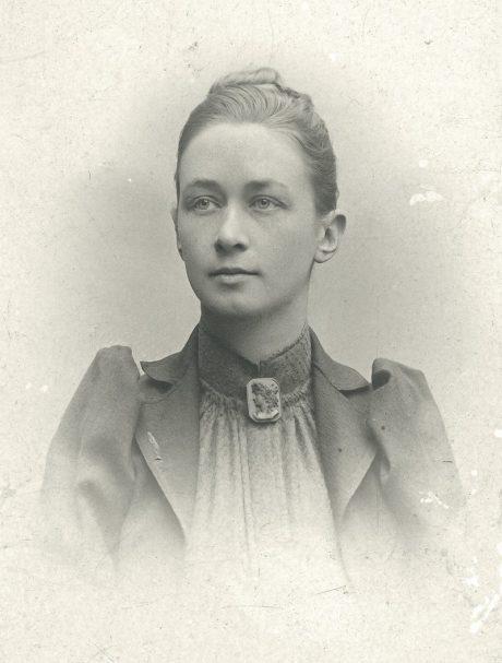Photo portrait de Hilma af Klint par un photographe inconnu