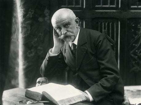 Huysmans photographié par Frédéric Boissonnas et André Taponier, vers 1900.