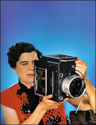 Madame Yevonde, Self Portrait with Vivex Camera, 1937, © Yevonde Portrait Archive