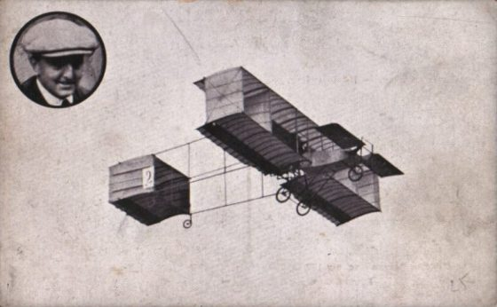 """Anvers Henri Rougier lors d'un meeting aérien de 1909 sur """"Voisin"""""""
