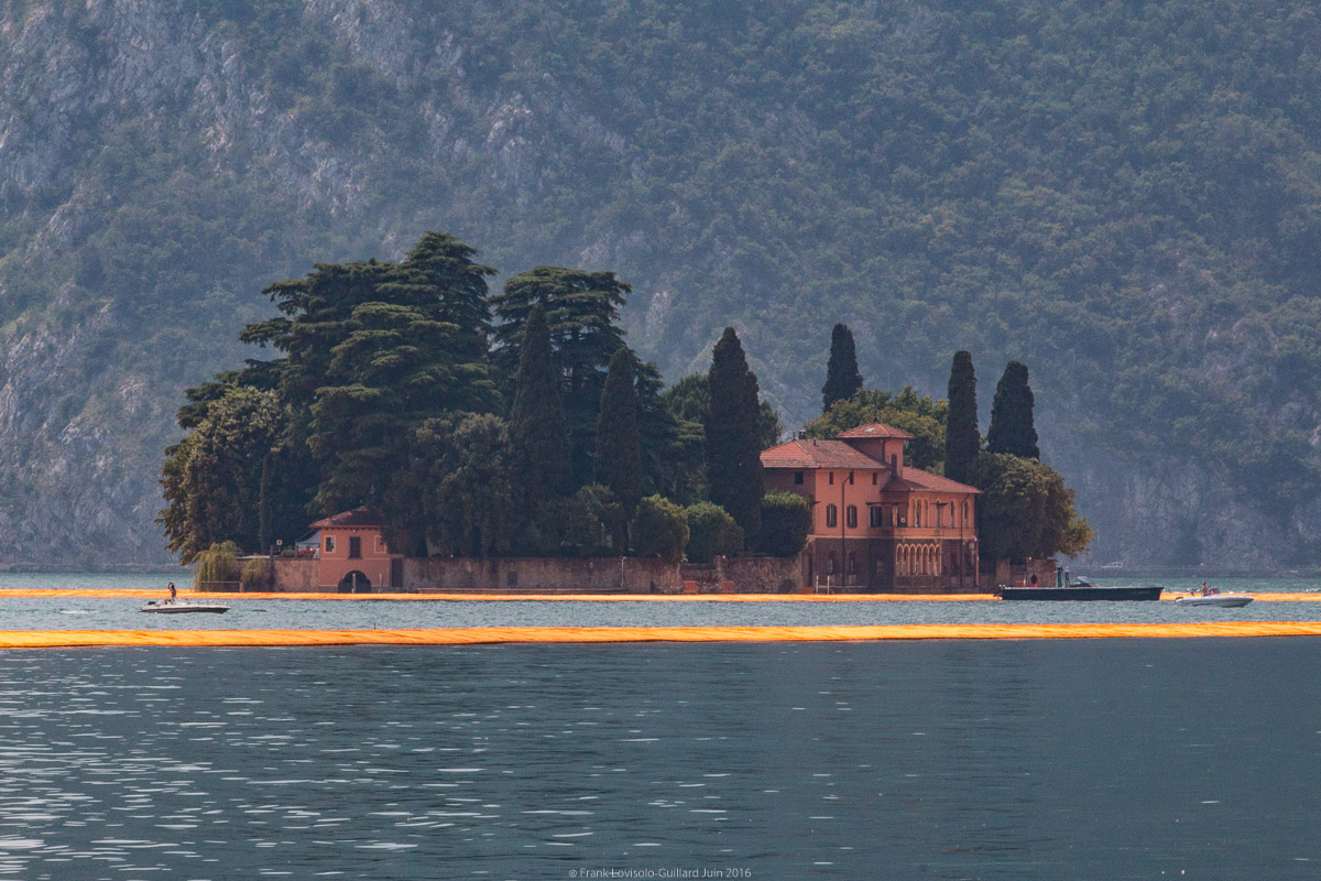 Emballé par Christo - Floating Piers